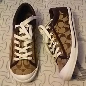 Coach Logo Tennis Shoes 8B NWOB